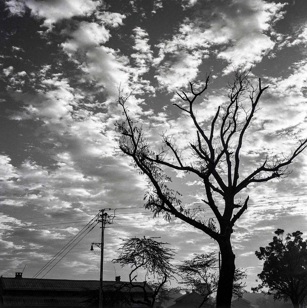 Delhi sky, 1957